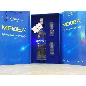 Hộp quà Vodka Medea